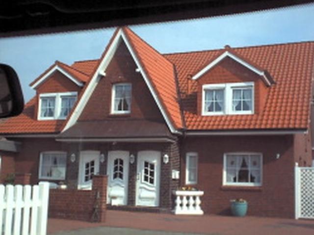 Wohnhäuser mit Einliegerwohnungen